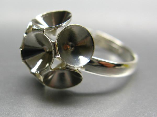 Ring mit Fassung für Swarovski Chatons